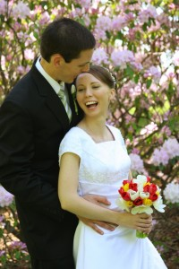 wedding_laughing